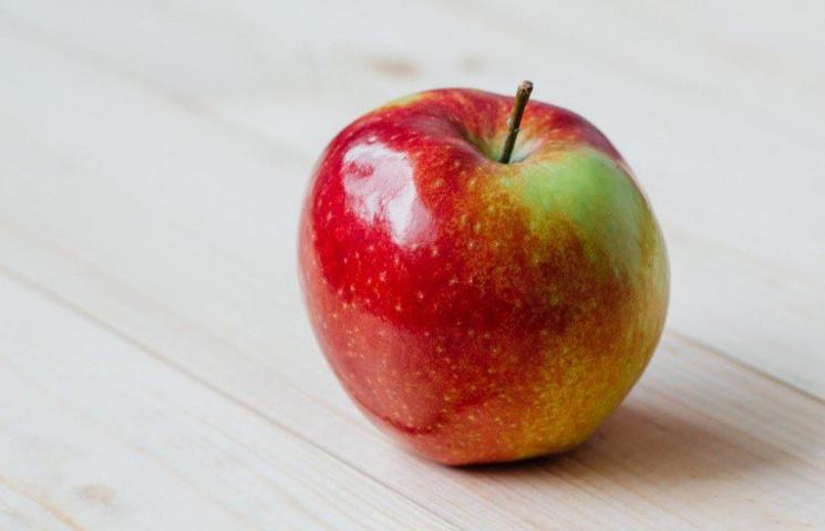 Waarom is de schil van een appel soms vettig?