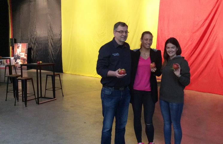 Fruitsnacks veilt grootste Belgische Vlag (22x11)